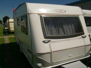 Wohnwagen Etagenbett Lmc : Wohnmobile lmc